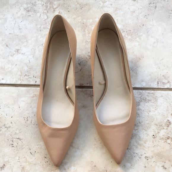 d6122d03162 Zara Nude Pointed Toe Kitten Heels